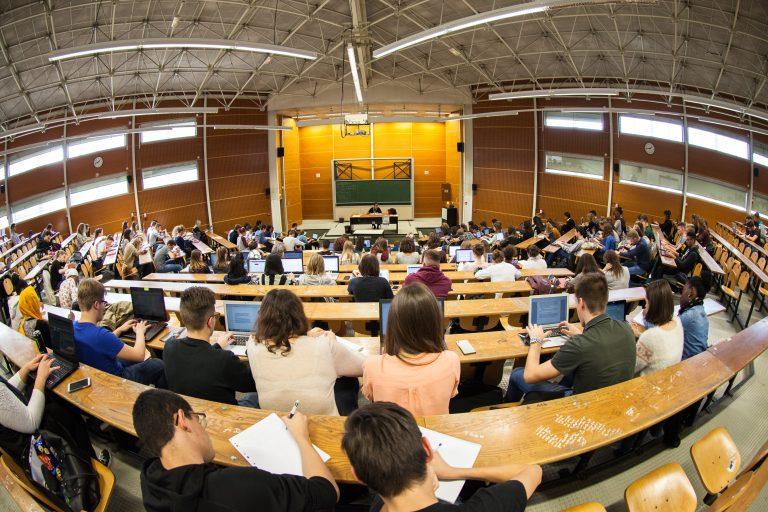 Université Franche-Comté - Amphithéâtre Courbet